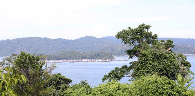 Gaya Island with Sea Gypsy Village