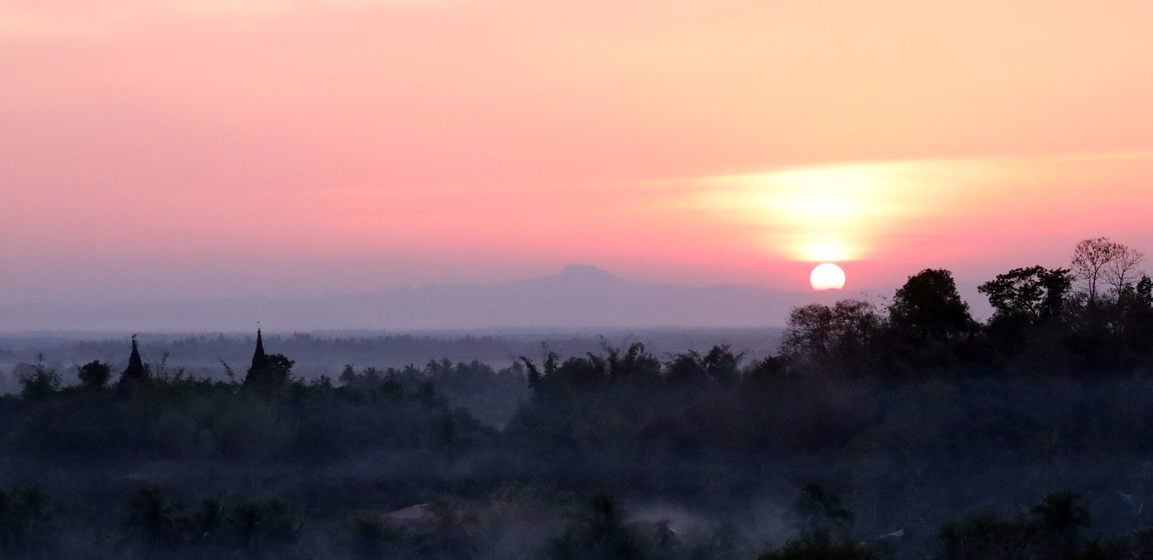 Sunset in Mrauk U