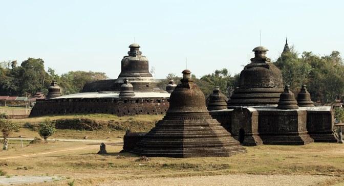 Pagodas in Mrauk U