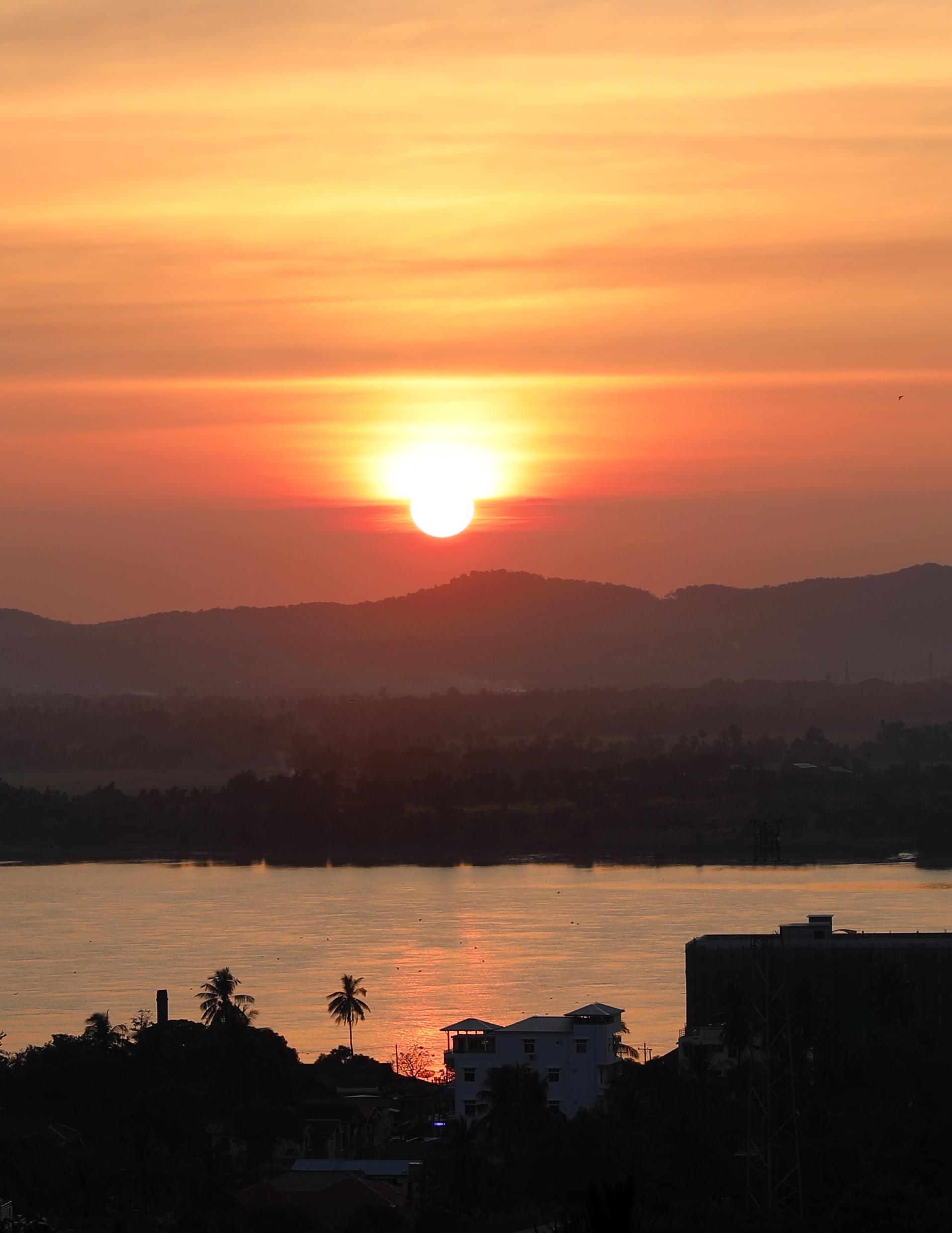 Sunset over Thanlwin River, Mawlamyine