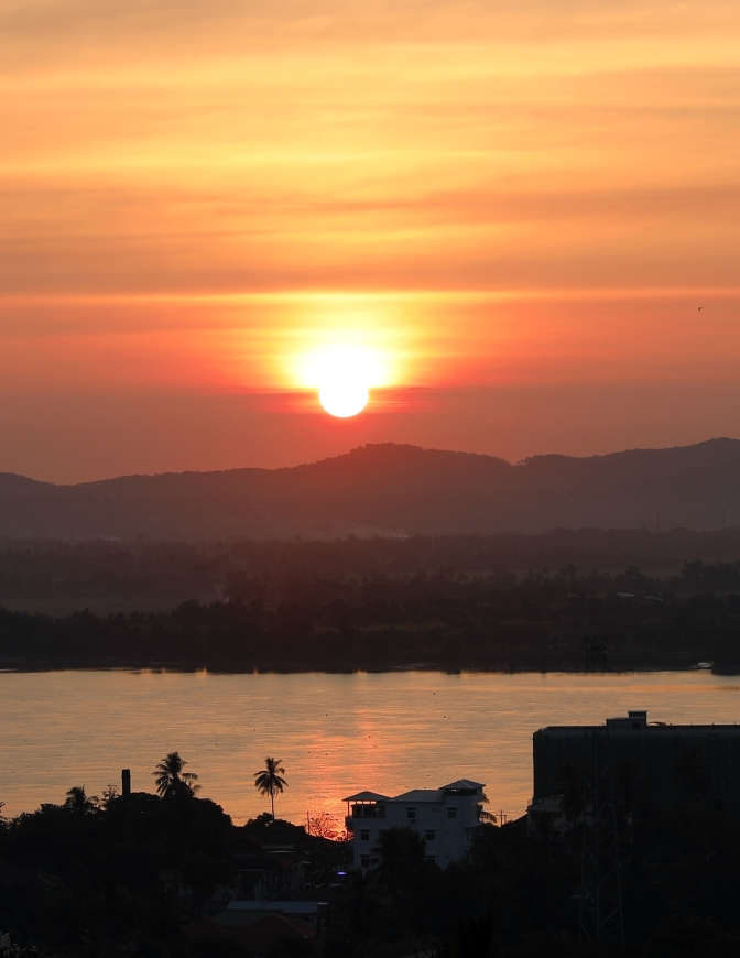 Sunset over Thanlwin River, Mawlamyine