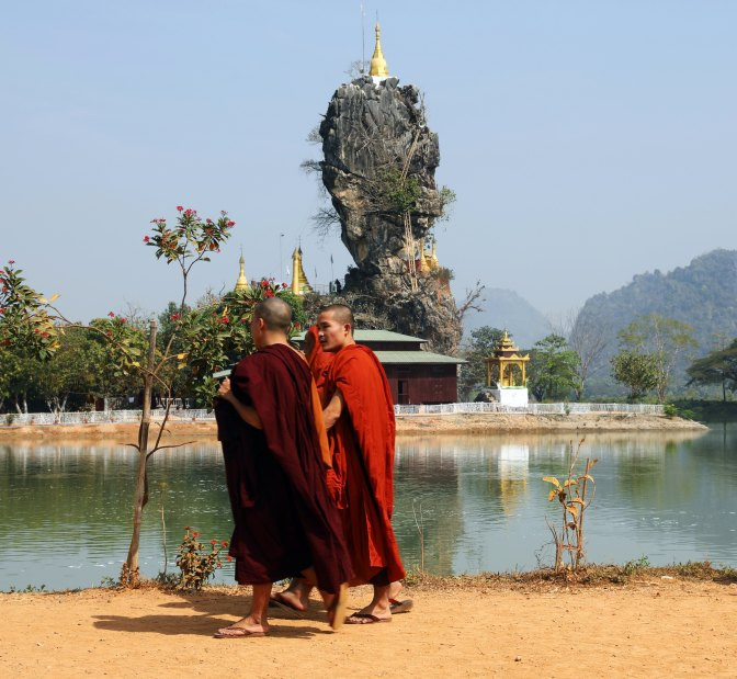 Monks at Kyauk Kalap