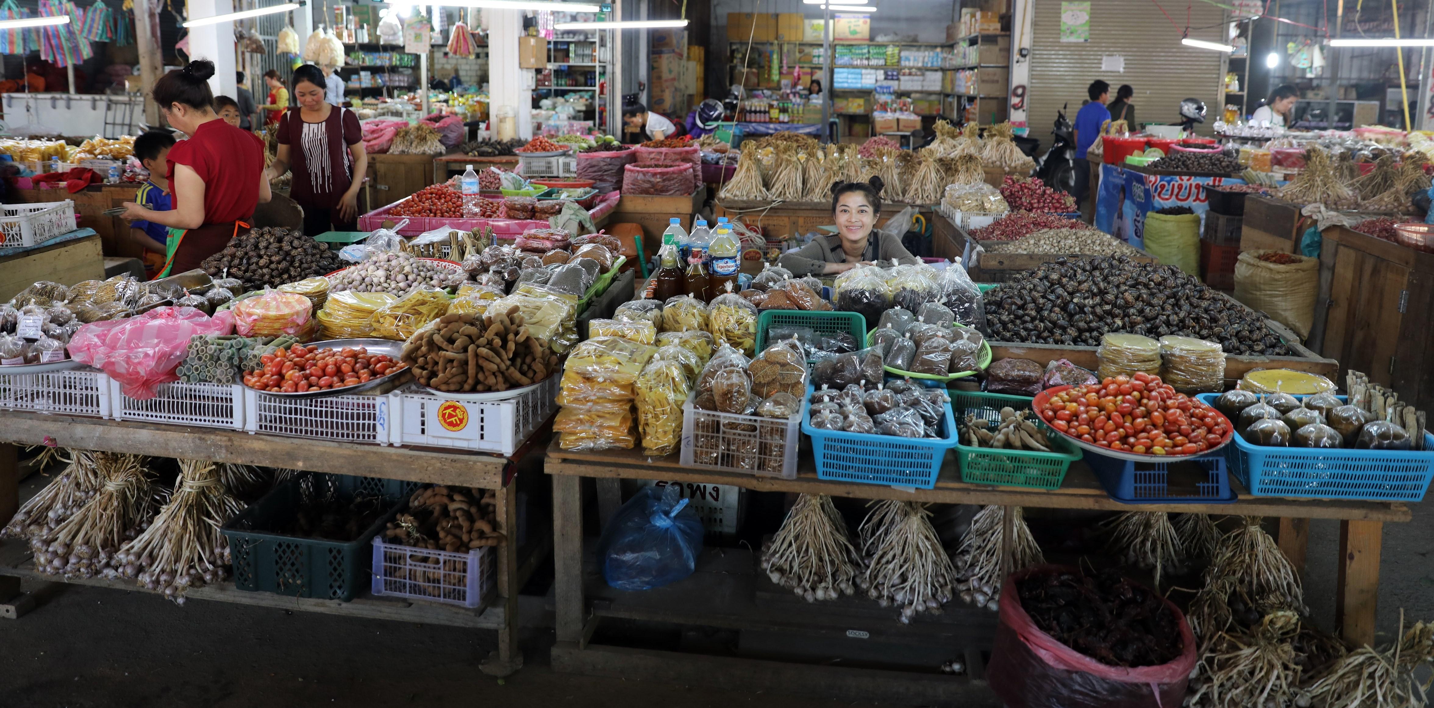 Market in Phonsavan