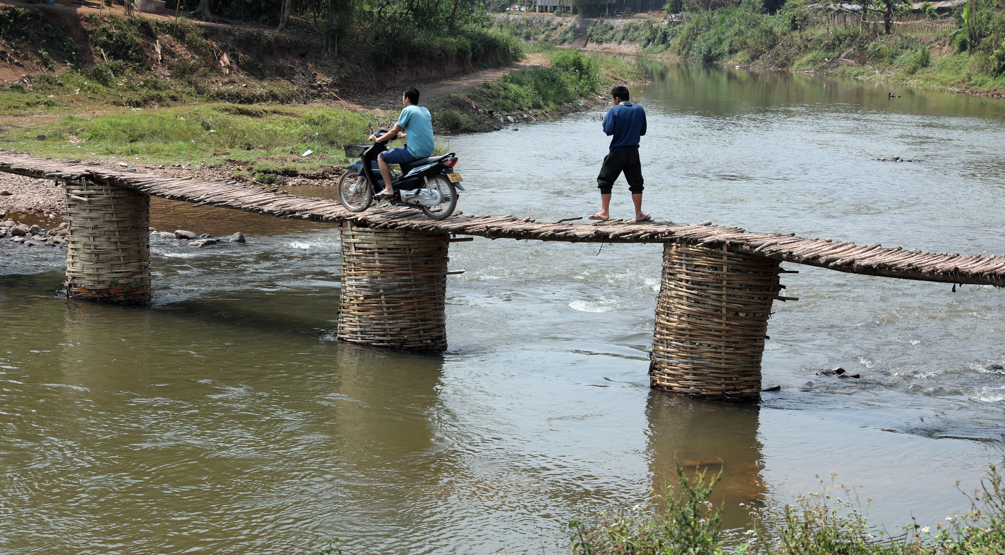 Bamboo bridge, Nam Tha