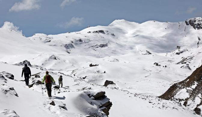 Approaching Bongtey La (Pass)