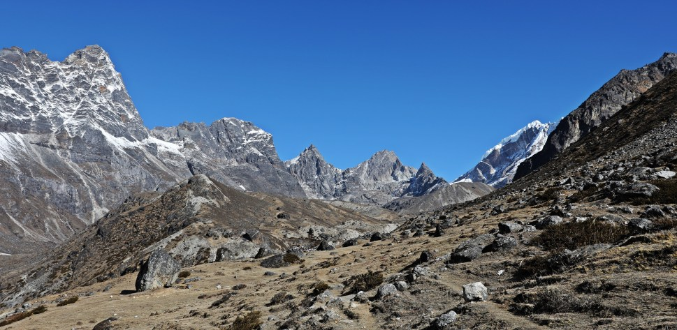 Towards Cho La (Pass)