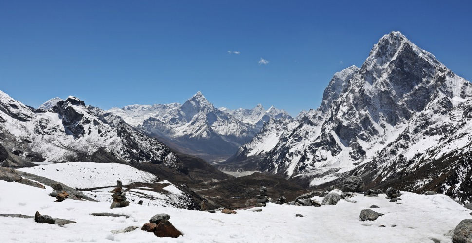 Everest (left), Ama Dablam (centre) from below Cho La (Pass)