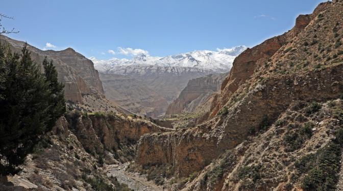 A deep gorge on the Upper Mustang trek