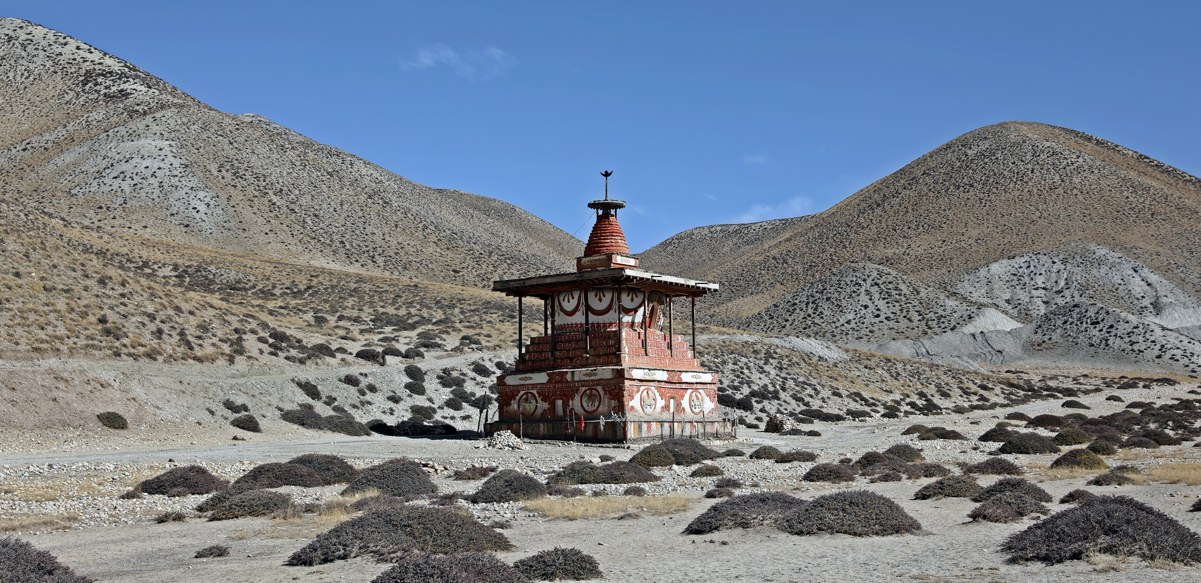 Chorten on the Upper Mustang trek