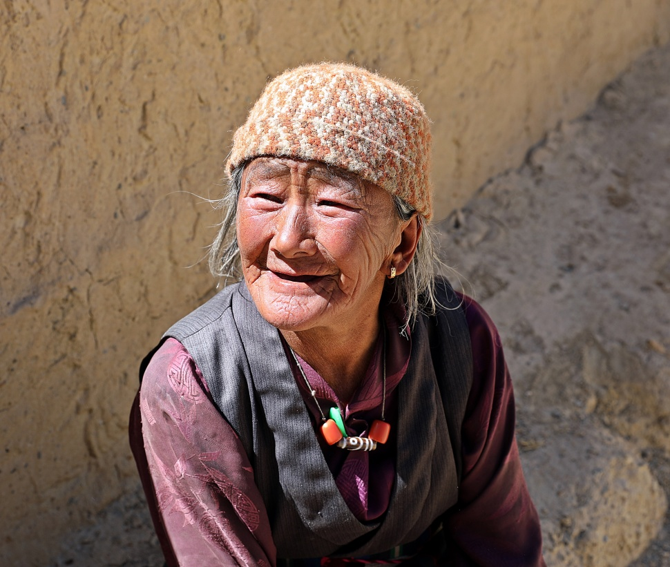 Local Upper Mustang lady