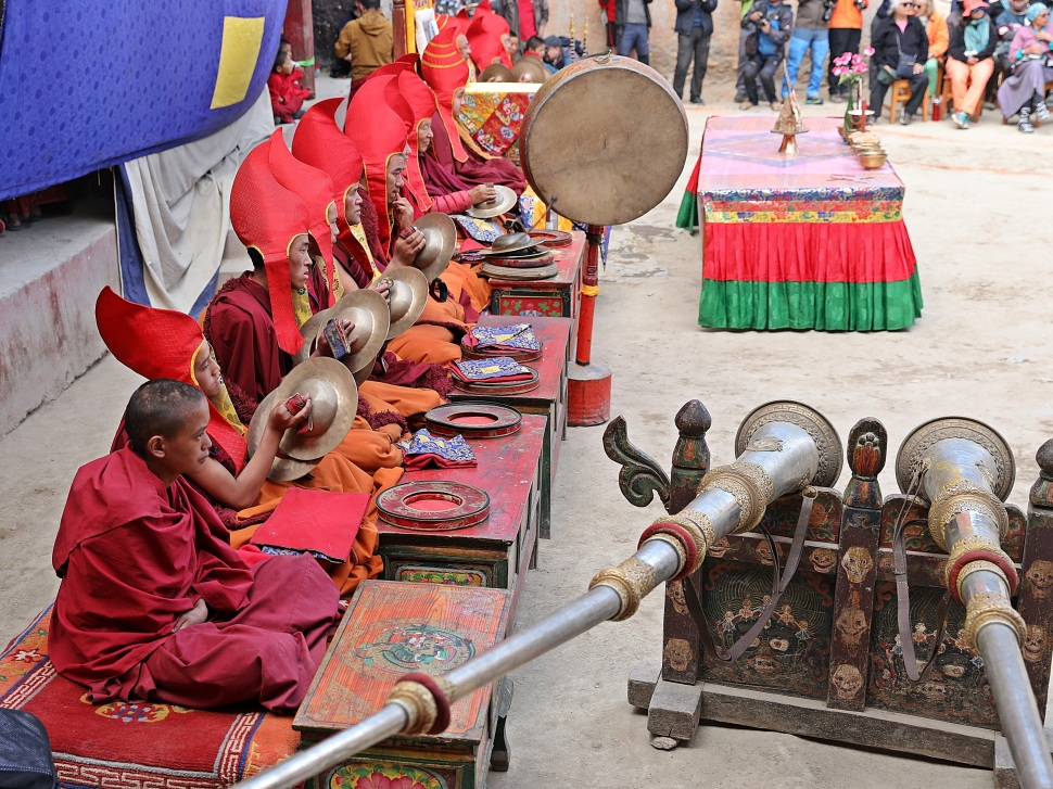 Dung chens, drums and cymbals accompanying the dancers at the Tiji Festival, Lo Manthang