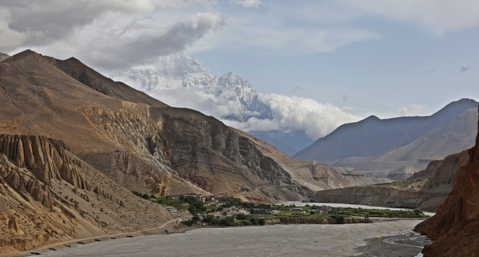 The oasis village of Chhuksang in the Kali Gandaki Valley