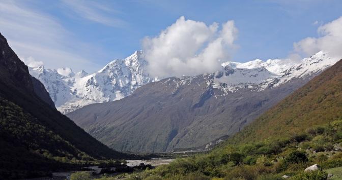 Mountains above Samagoan