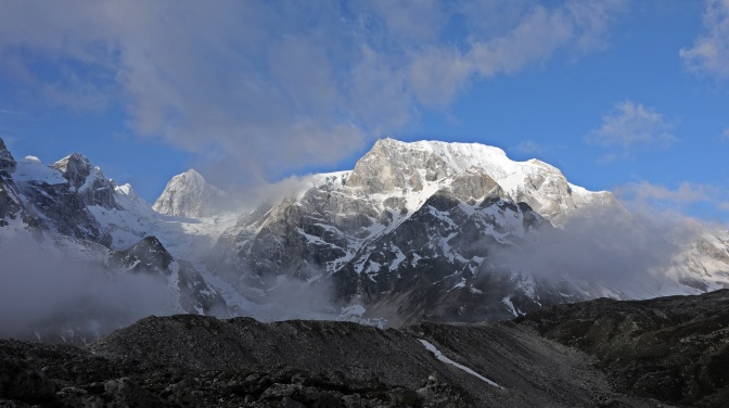 Himlung Himal Range from Larkya La