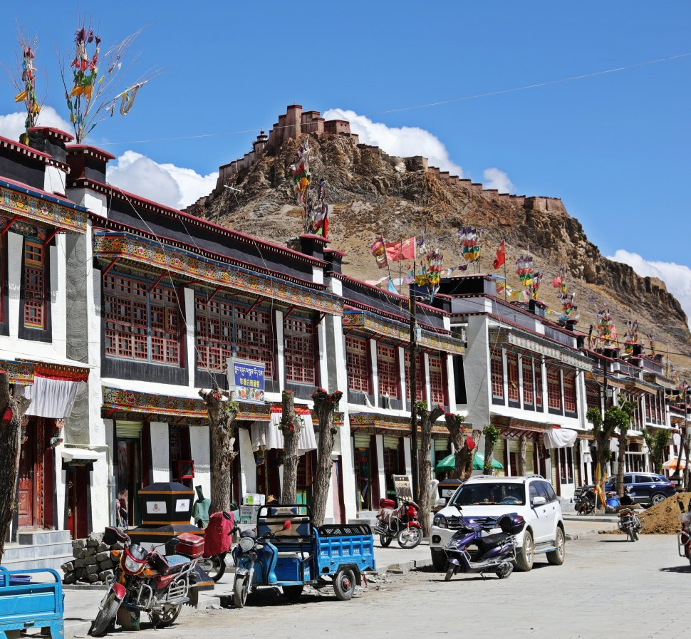 Street in Gyantse with the Dzong on the hill above