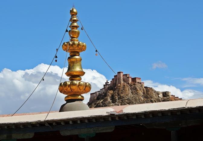 Gyantse Dzong from Kumbum Chorten