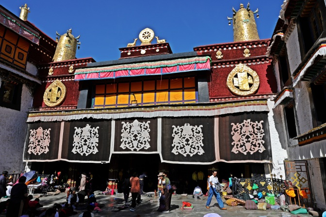 Entrance to Jokhang Temple