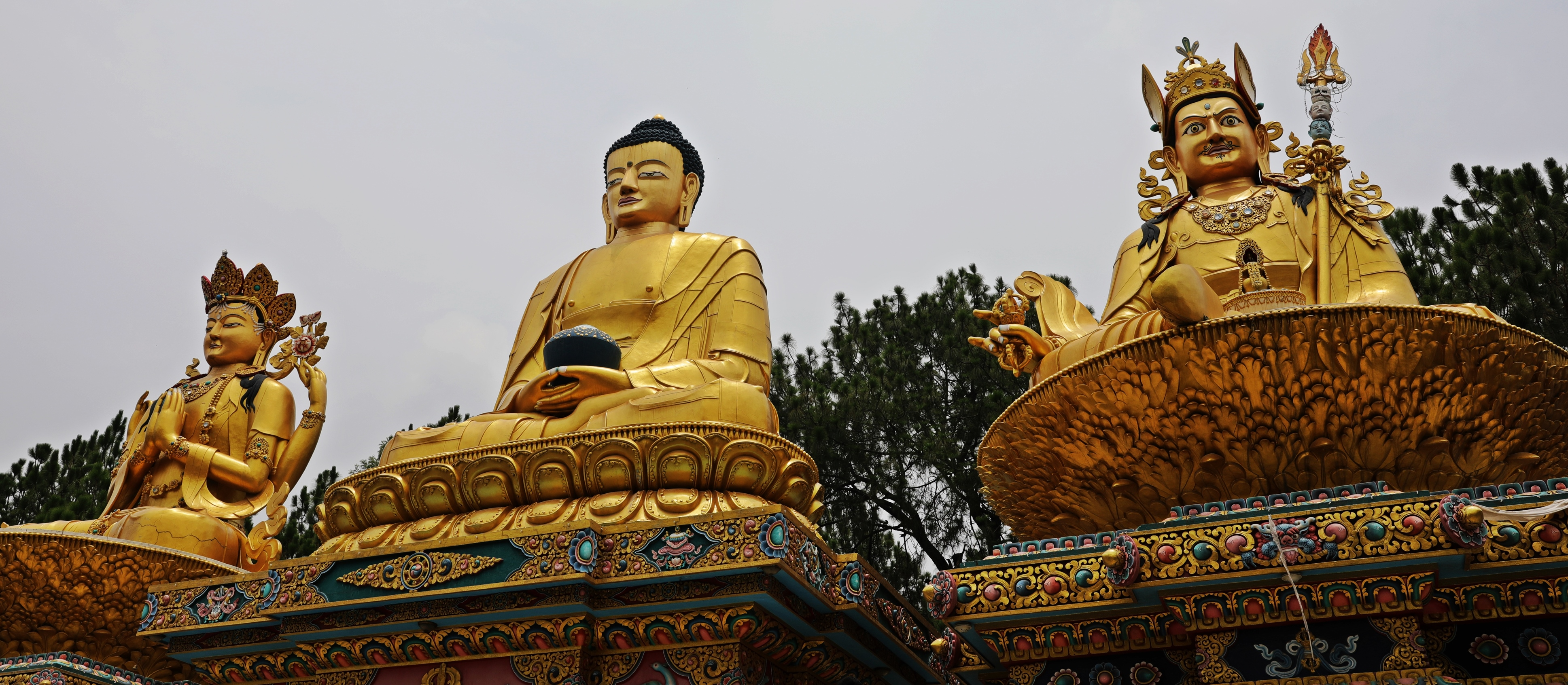 Statues on the Swayambhunath kora