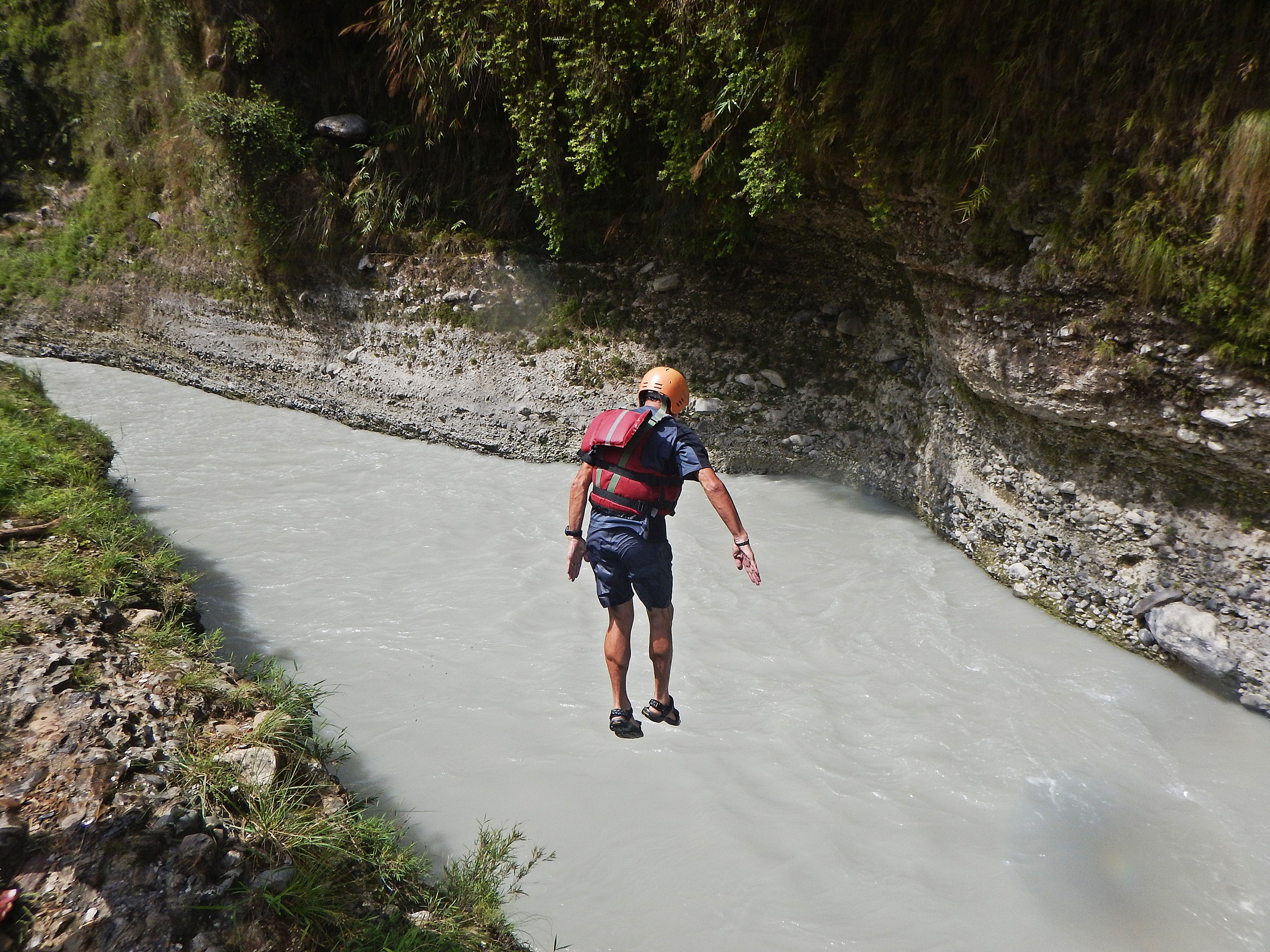 Cliff jumping on the Seti River