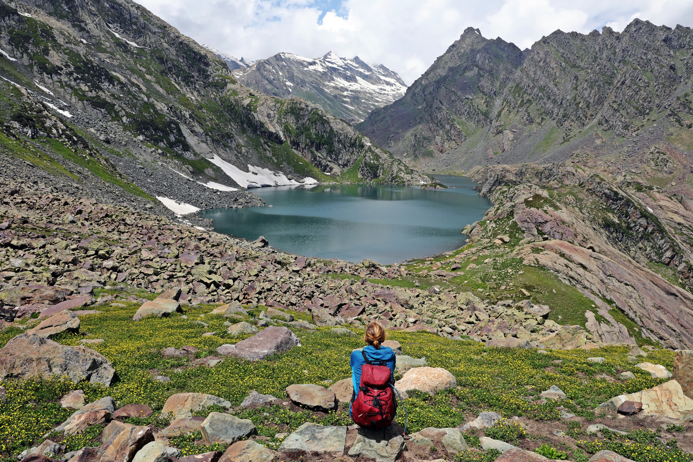 Alpine lake on the Great Lakes Trek