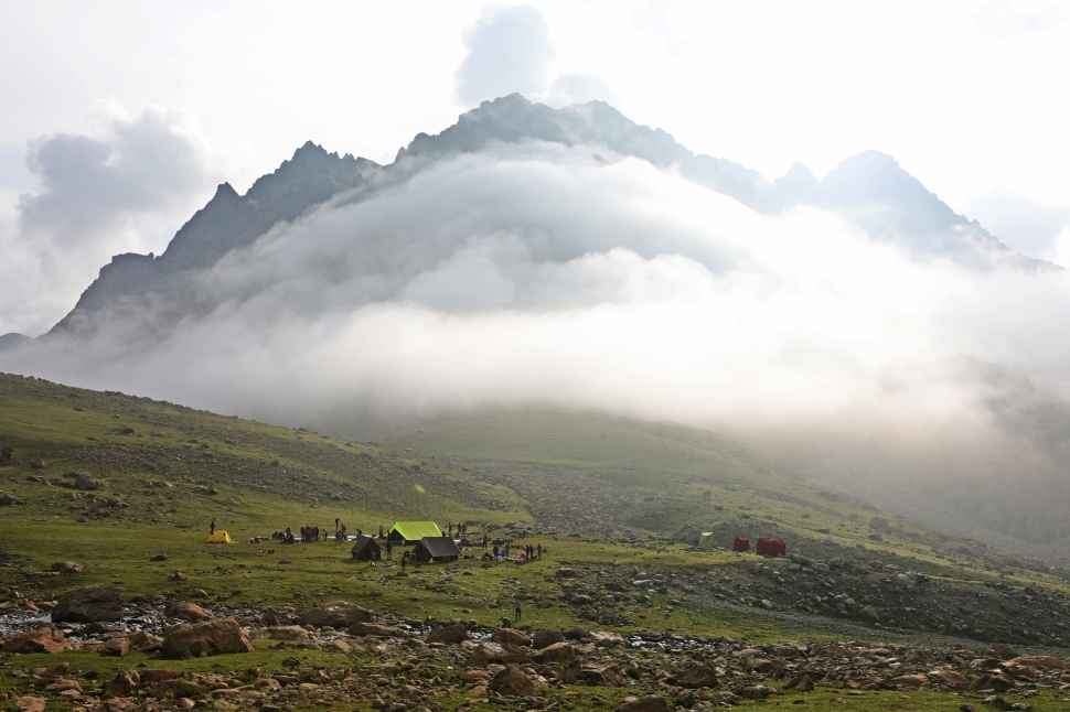 Bizarre cloud formation below Satsar Lake, Great Lakes Trek