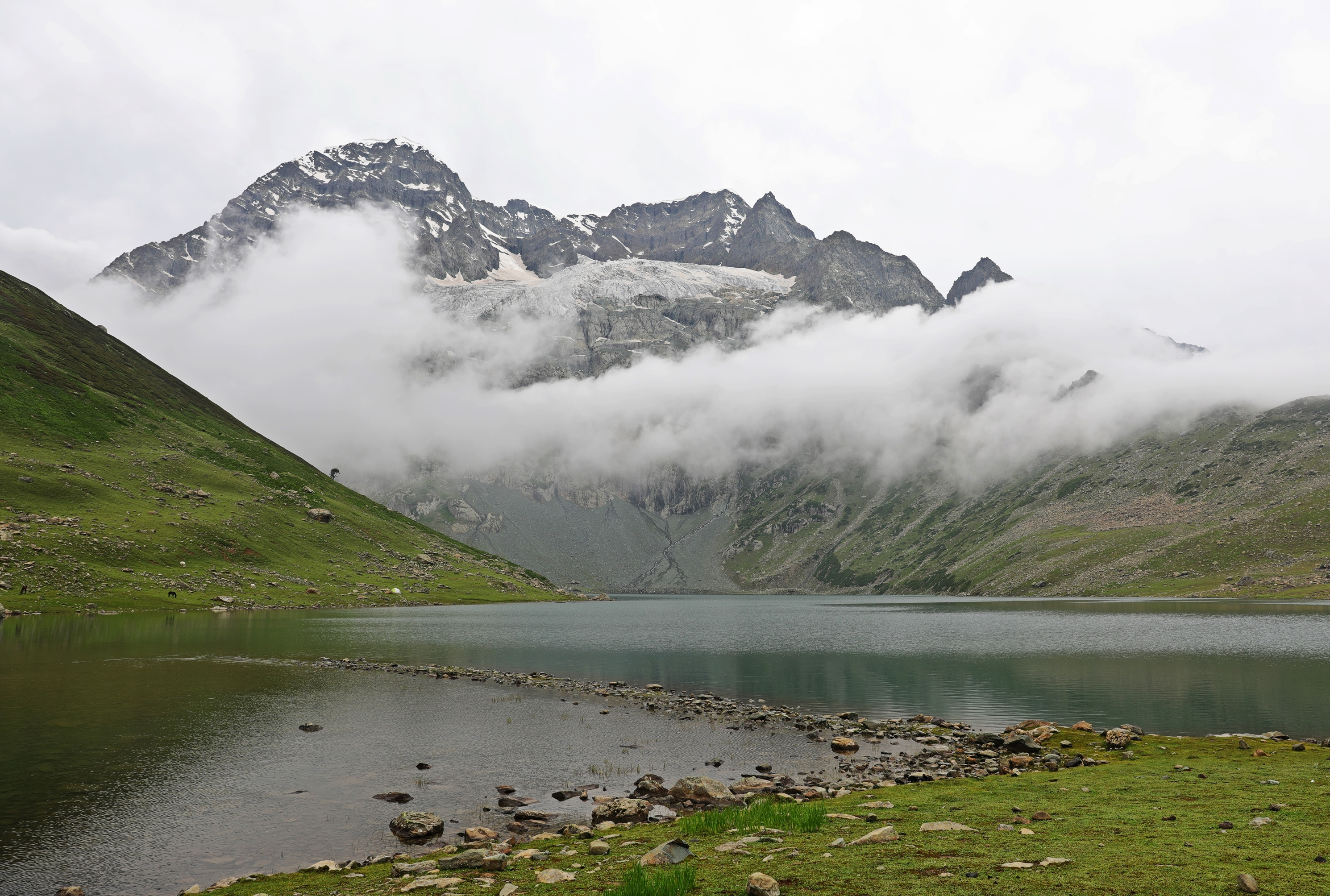 Nundkol Lake, Great Lakes Trek