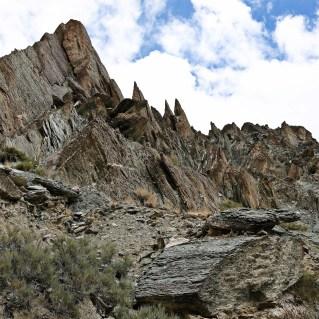 Rugged peaks in Shingo gorge