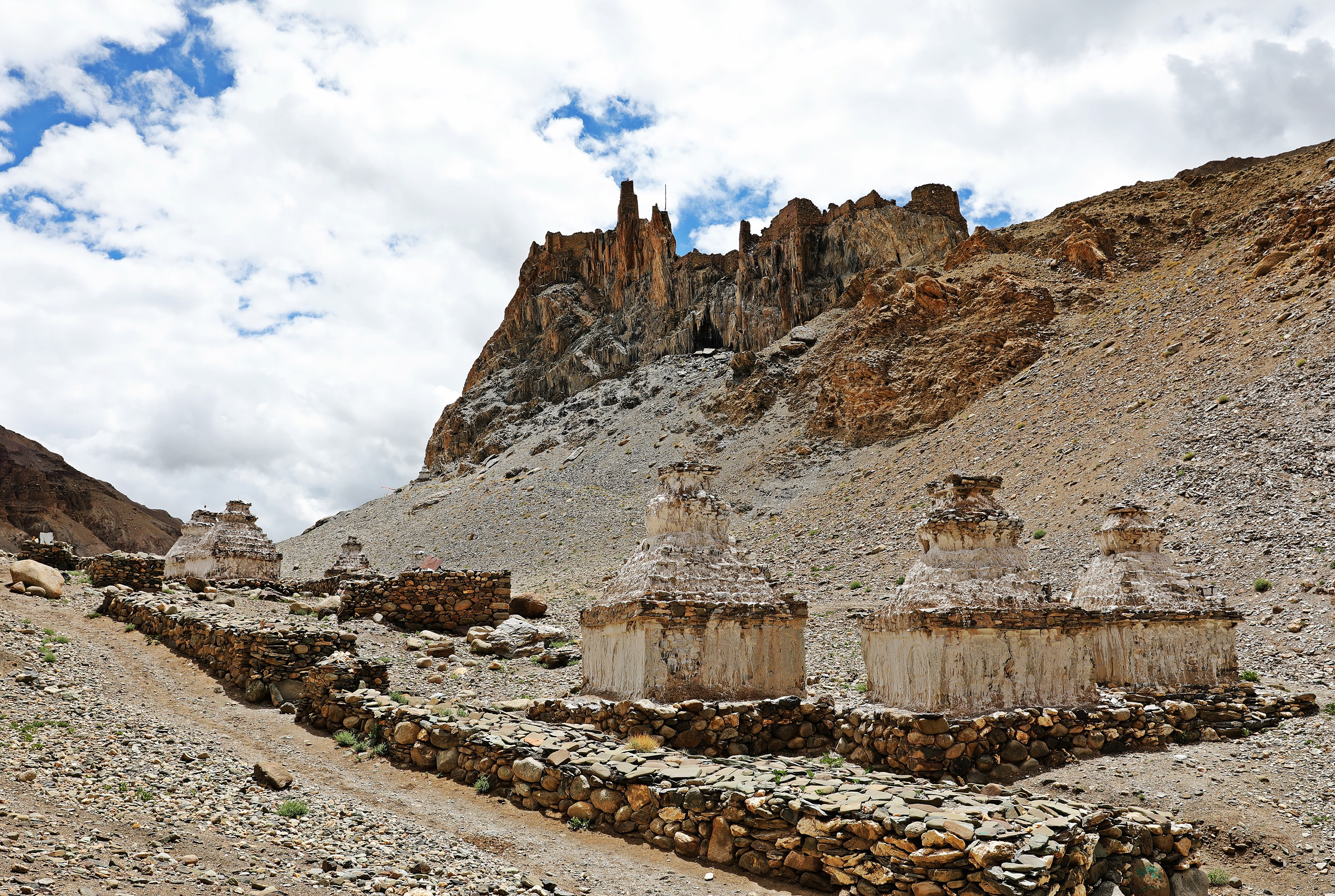 Chortens and a fort near the village of Hankar