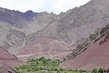 Colourful mountains around the village of Chogdo