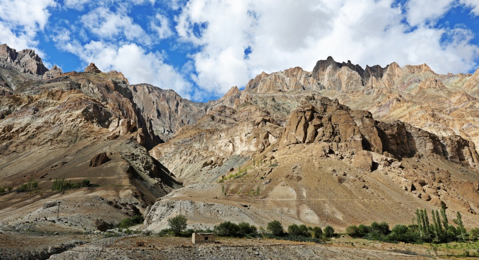 Hinju Valley, Hidden Valleys Trek