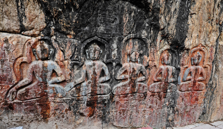 Buddhist rock sculpture, Padum