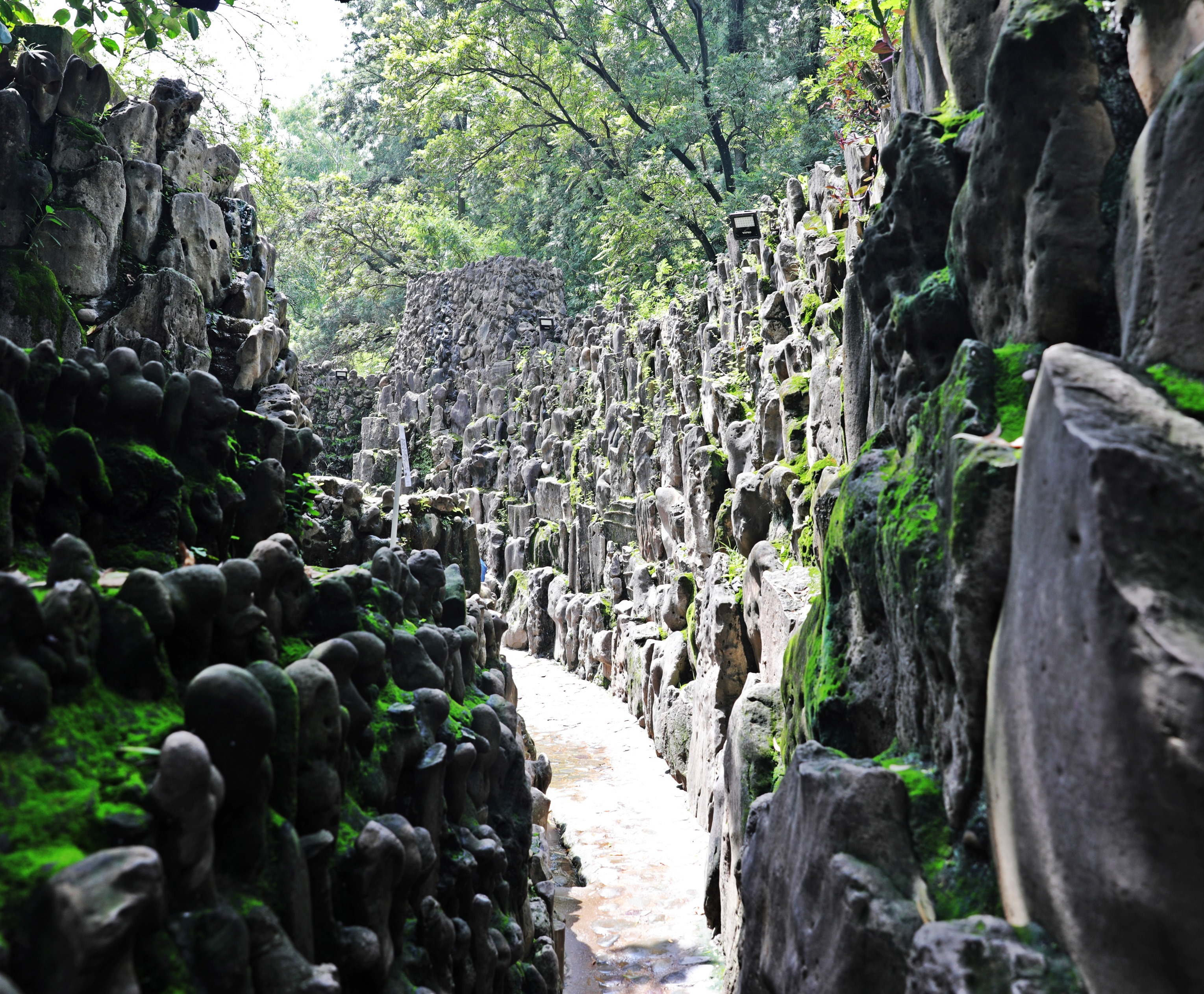 Wall sculpture, Rock Garden, Chandigarh
