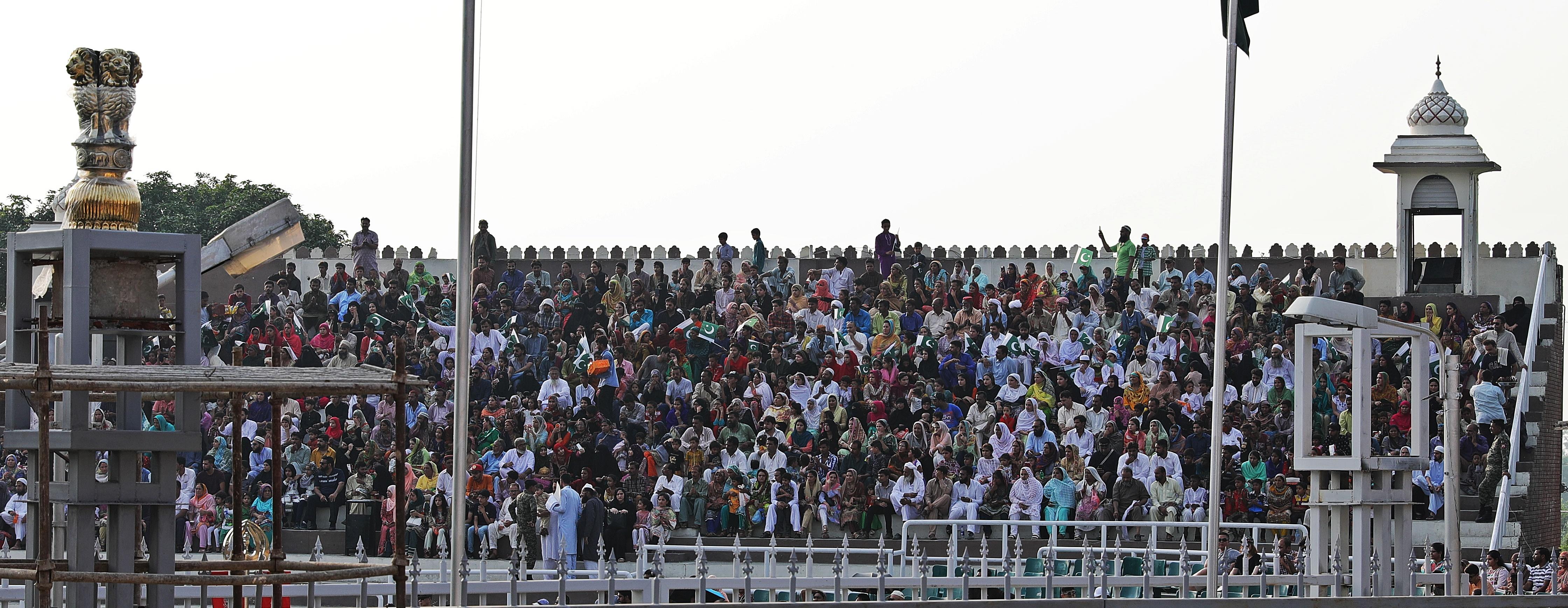 Pakistan's subdued crowd