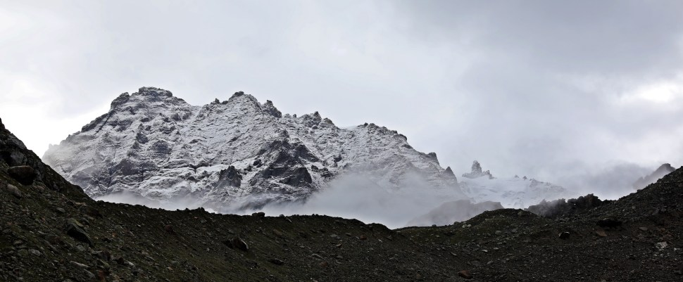 Fresh snow in the morning, Hampta Pass Trek