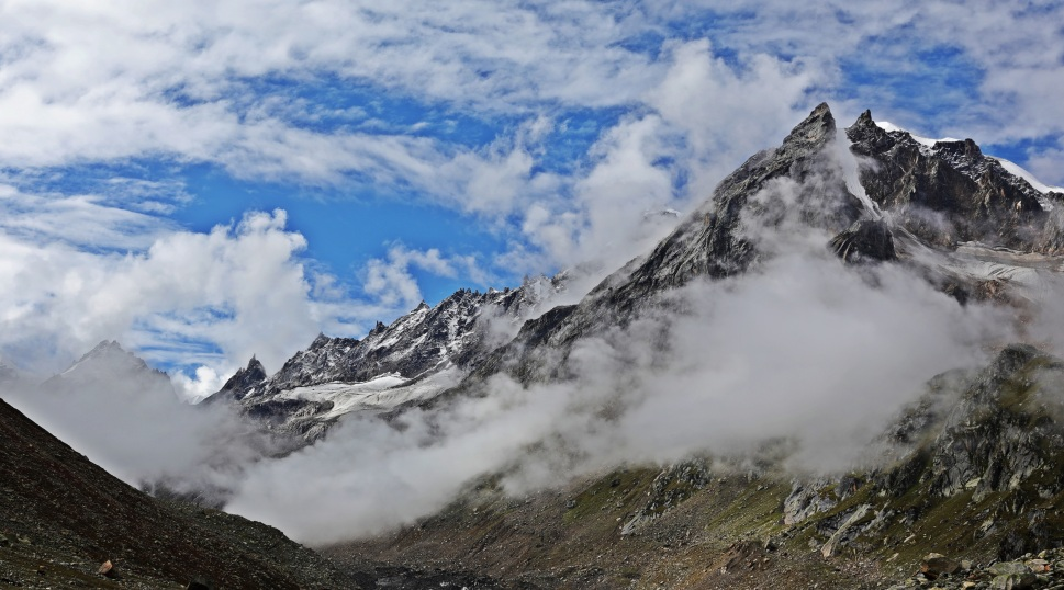 Interesting cloud formations, Hampta Pass Trek