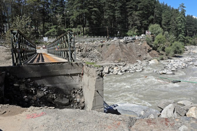 Bridge damage, Manali