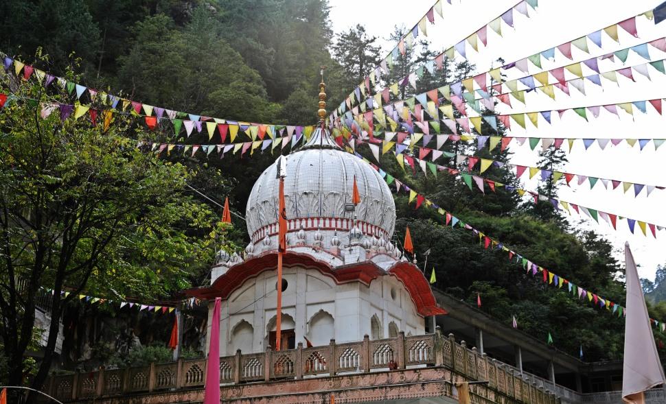 Sikh Gurudwara, Manikaran
