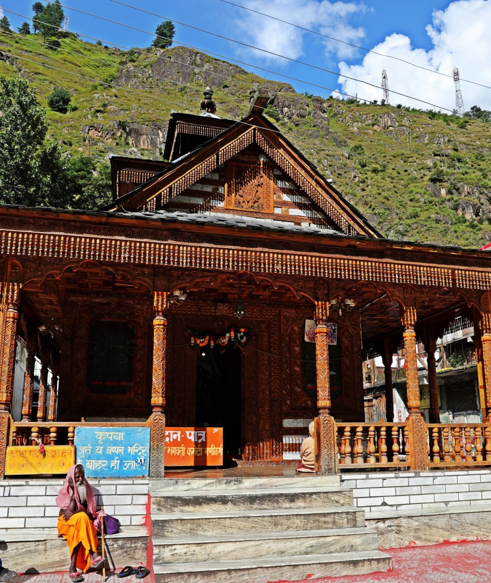 Hindu Temple, Manikaran