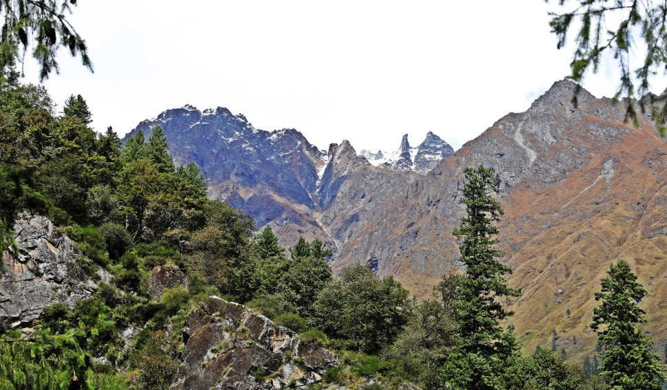 Mountains around Tosh, Himachal Pradesh
