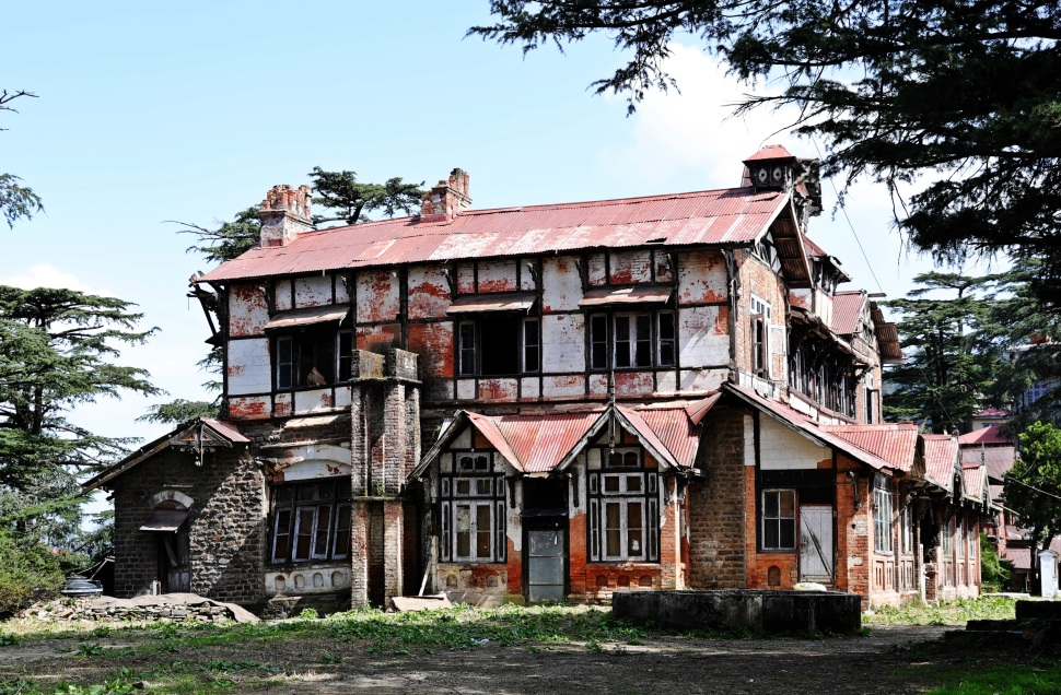 Colonial building in ruins, Shimla