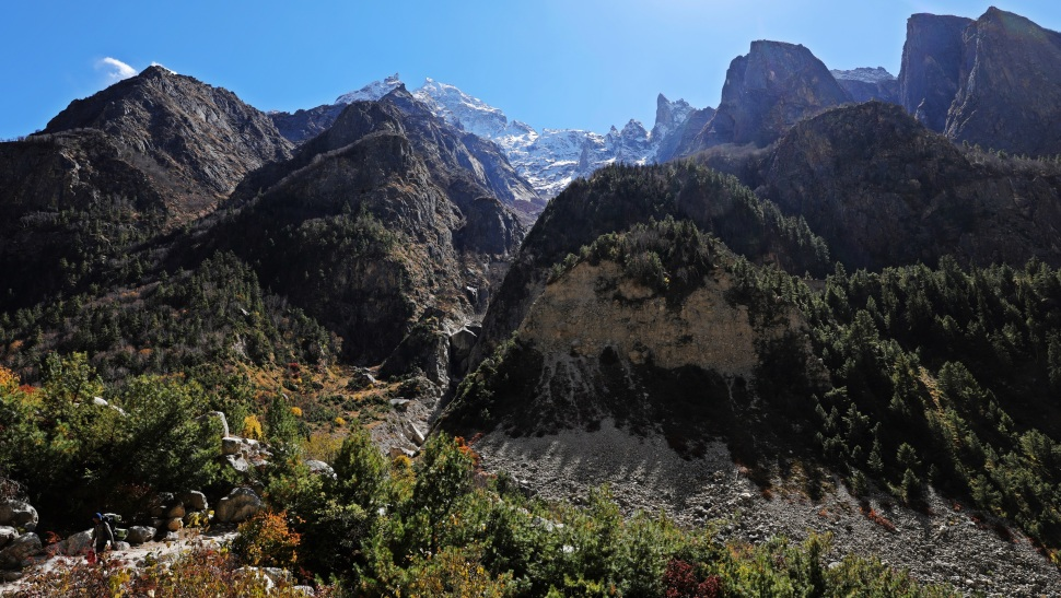 Tall peaks along the Bhagirathi River