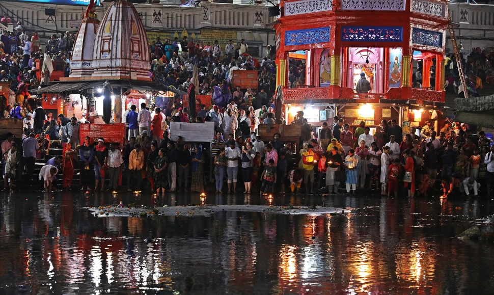 Putting diyas in the Ganges, Ganga Aarti, Haridwar