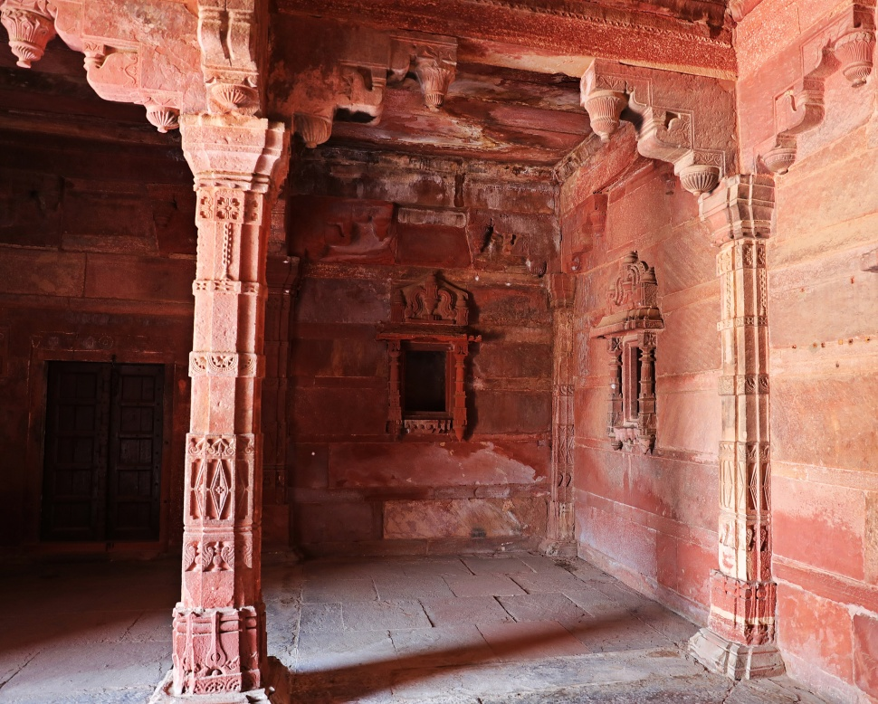 Intricate carvings on the walls, Fatehpur Sikri