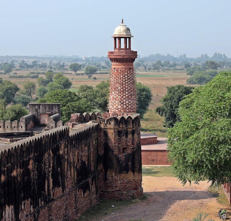 Elephant Tusk Pillar, Fatehpur Sikri