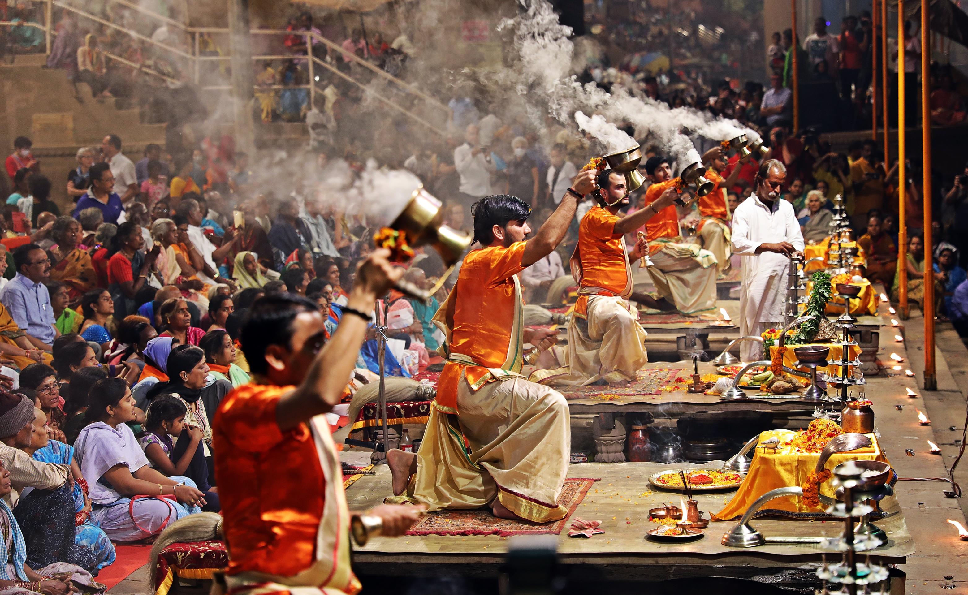 Pundits choreography with smoke, Ganga Aarti, Varanasi
