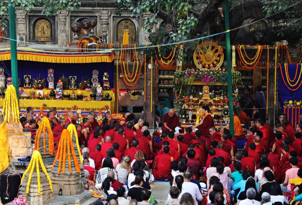 Lama Rinpoche giving a lecture, Mayabhodi, Temple
