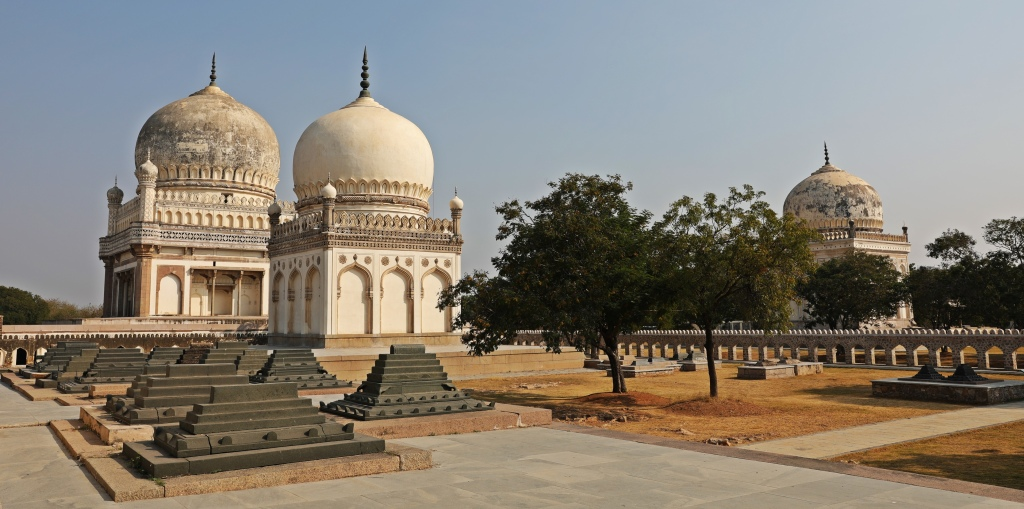 Tombs and sarcophogi in Qutub Shahi's Complex