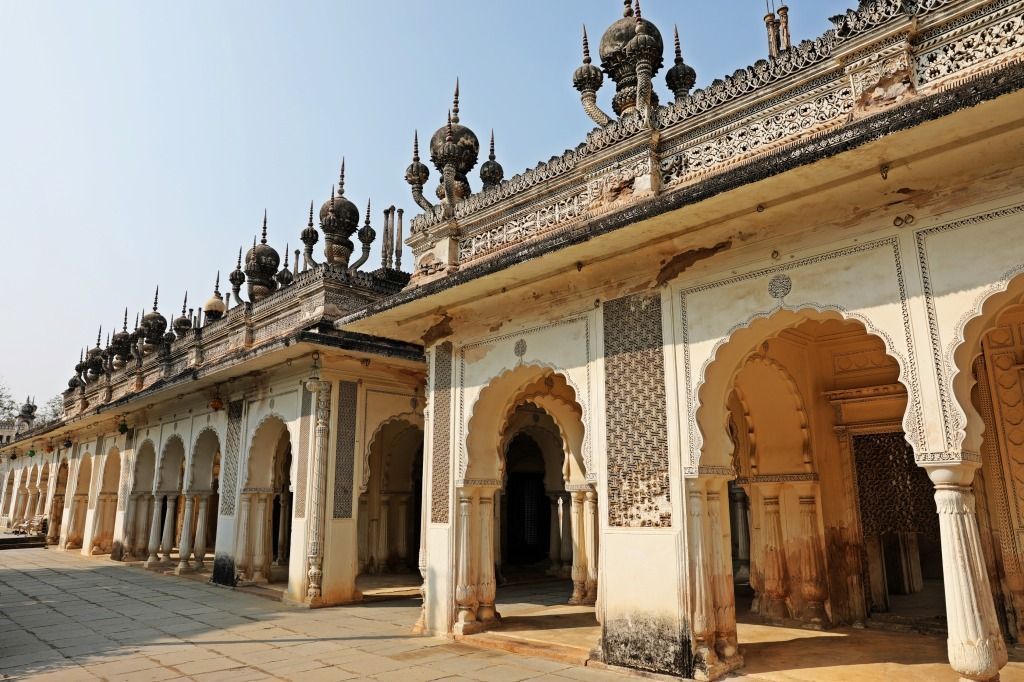 teresting roofs, Paigah Tombs, Hyderabad