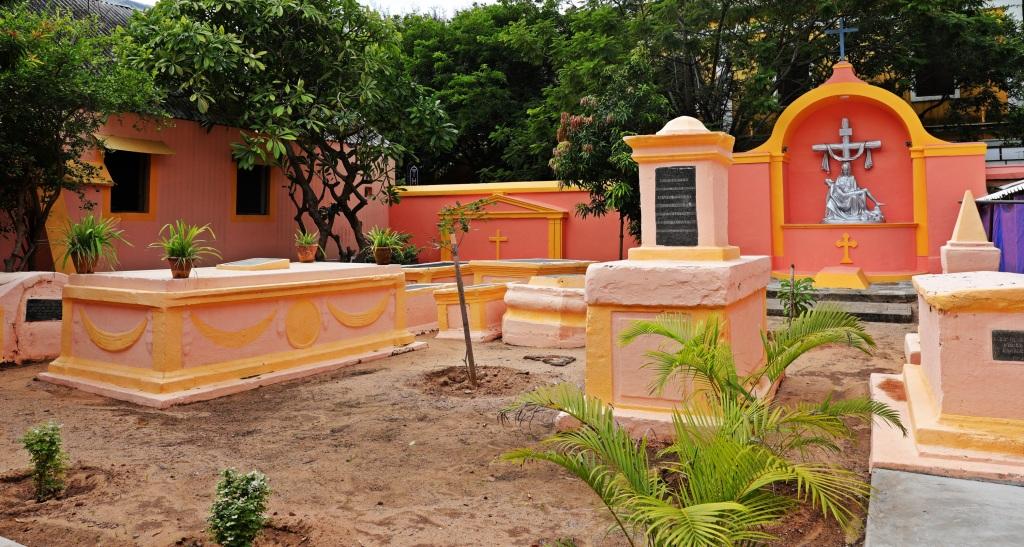 Graveyard, Notre Dame des Agnes, Puducherry