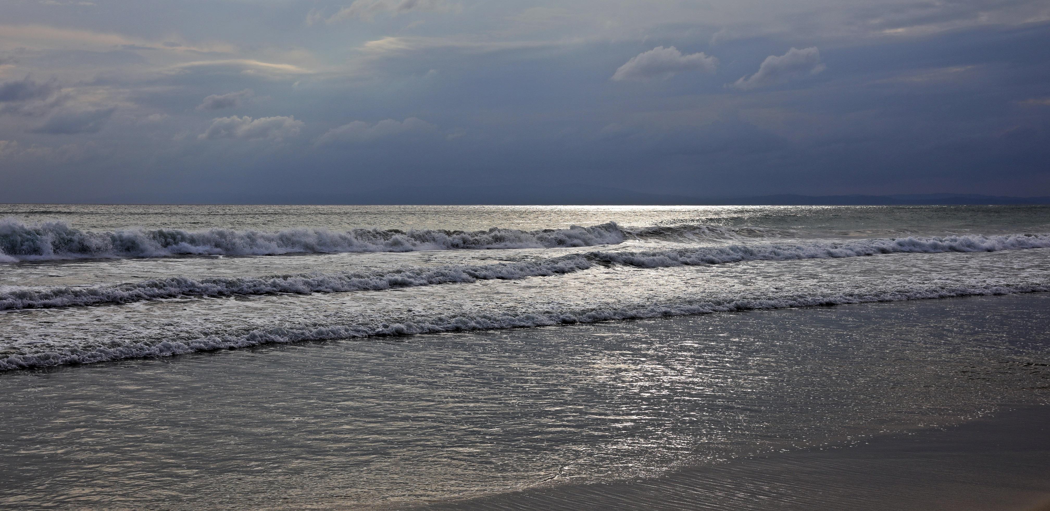 Storm coming in on Radhanaga Beach, Havelock Island